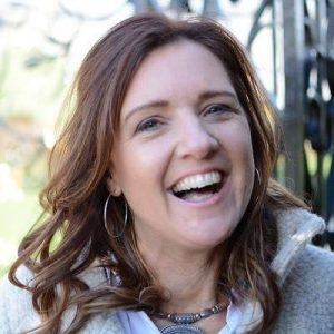Róisín O'Farrell: How To Grow Your Business While Improving Your Craft As An Artist